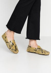 Hash#TAG Sustainable - Moccasins - diamant lux gialo - 0