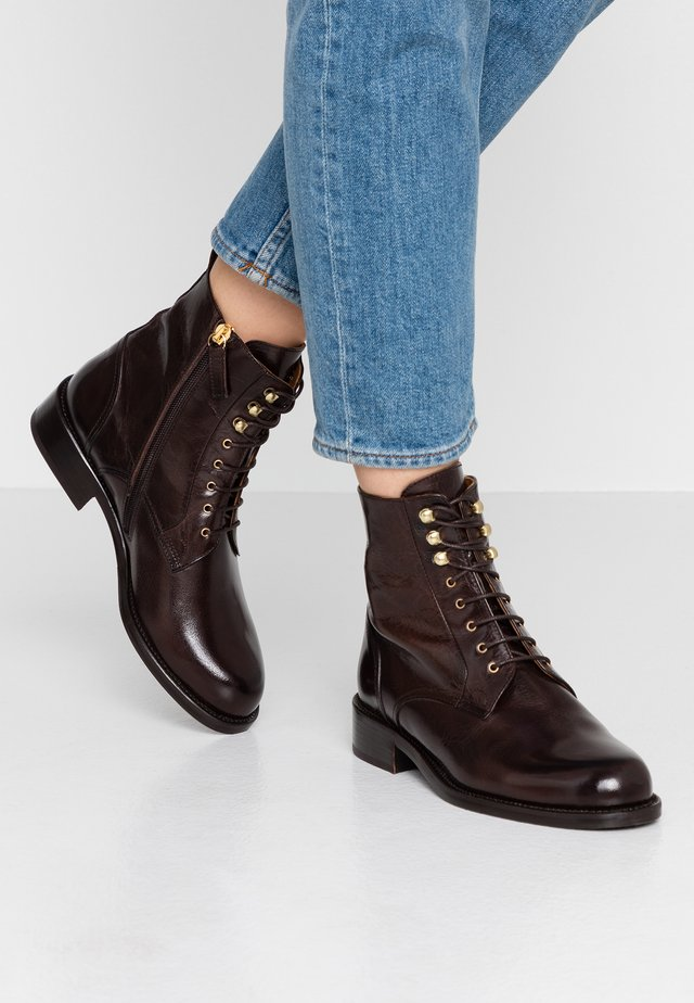 Lace-up ankle boots - espresso