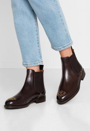 Kotníkové boty - espresso