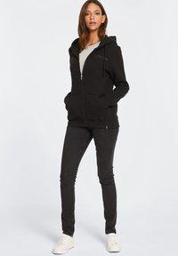 Harlem Soul - Zip-up hoodie - black - 4