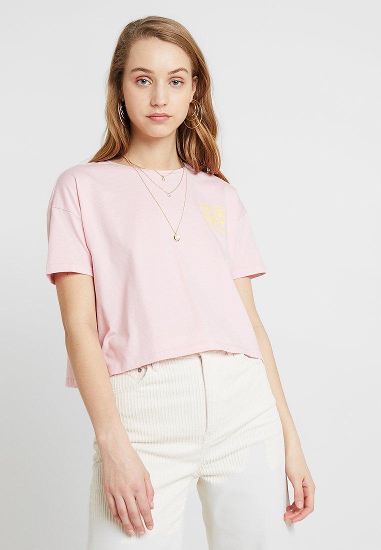 Homeboy - CATE - Print T-shirt - blush rose