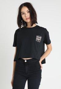 Homeboy - CATE T-SHIRT - T-shirts med print - black - 0