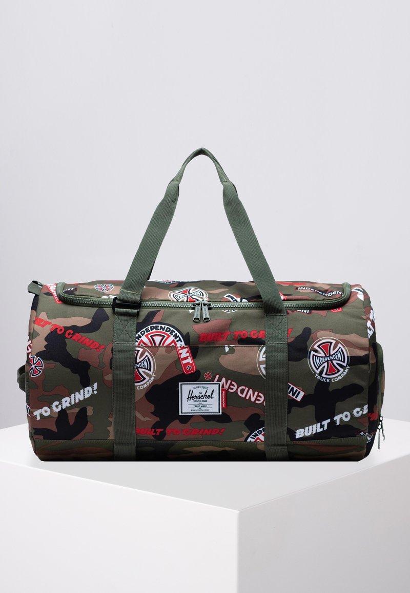 Herschel - SUTTON CARRYALL - Sports bag - woodland camo/cypress