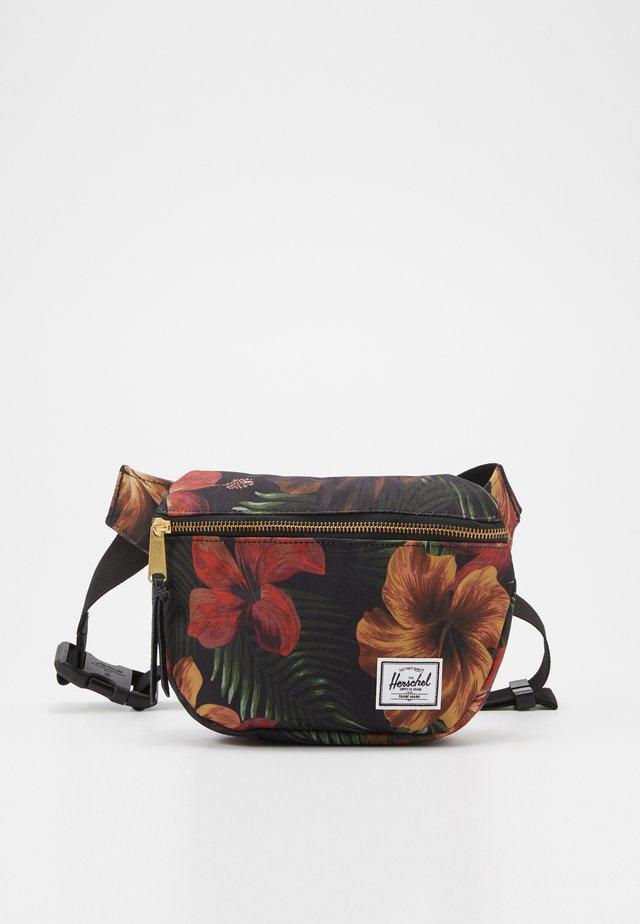 FIFTEEN - Heuptas - tropical hibiscus
