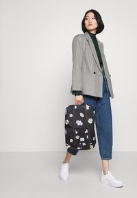 Herschel - RETREAT MID VOLUME - Sac à dos - daisy black - 1