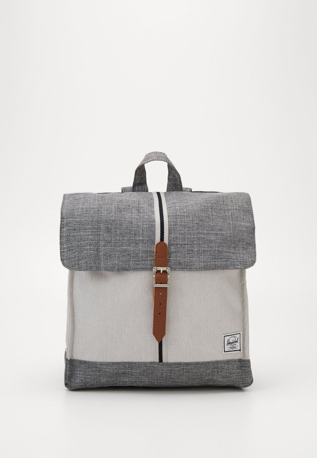 CITY MID VOLUME - Tagesrucksack - raven crosshatch/vapor crosshatch/tan