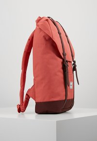 Herschel - RETREAT MID VOLUME - Tagesrucksack - mineral red/plum