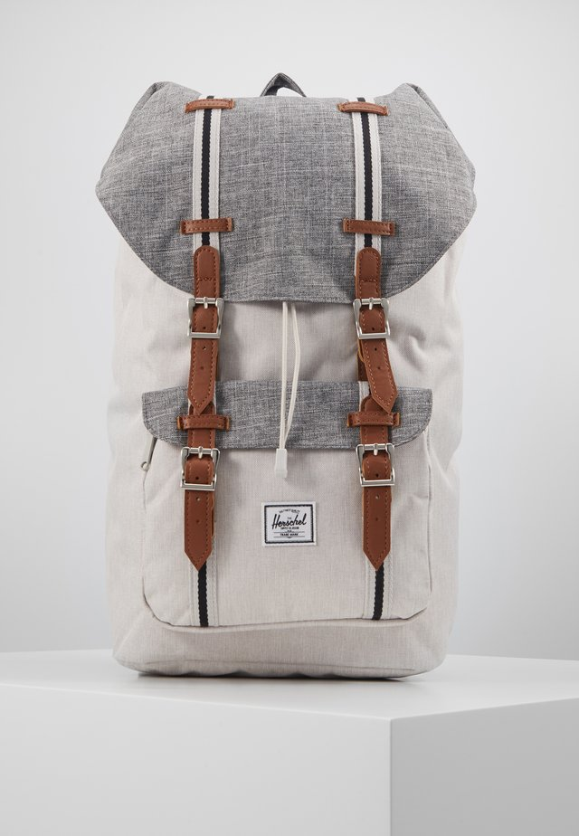 LITTLE AMERICA - Tagesrucksack - raven crosshatch/vapor crosshatch/tan