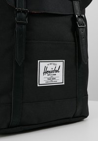 Herschel - RETREAT - Reppu - noir - 4
