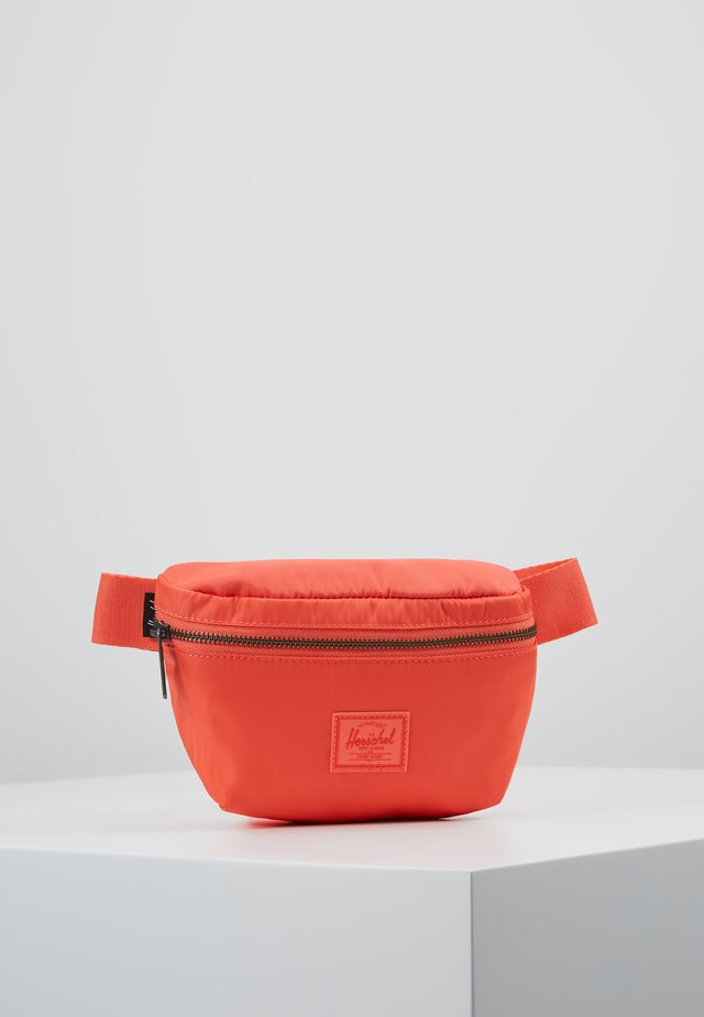 FOURTEEN - Gürteltasche - hot coral