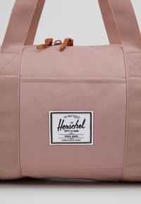 Herschel - SUTTON MID VOLUME - Sports bag - ash rose - 2