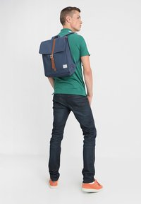 Herschel - CITY MID VOLUME - Zaino - navy/tan - 1