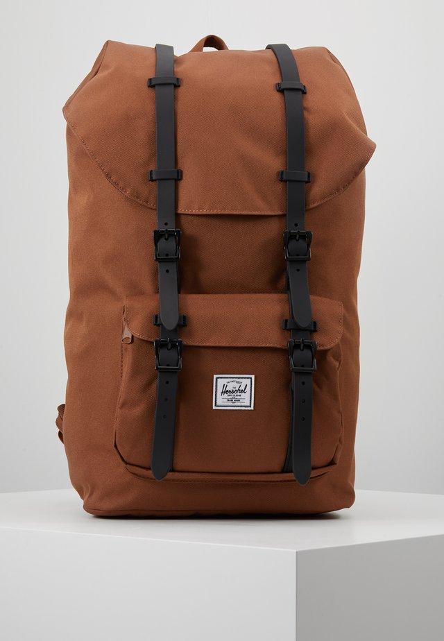 LITTLE AMERICA - Mochila - saddle brown/black