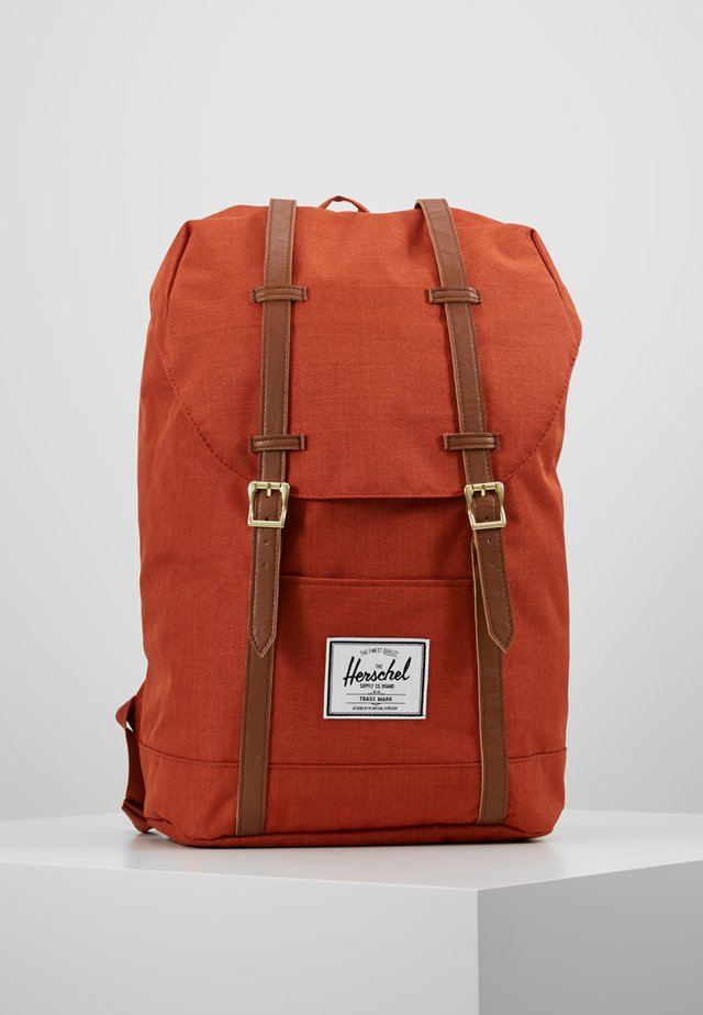 RETREAT - Rucksack - picante