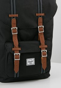 Herschel - LITTLE AMERICA - Reppu - black/tan - 7