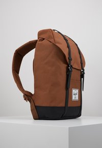 Herschel - RETREAT - Reppu - saddle brown/black - 3