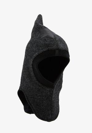 Čepice - dark grey