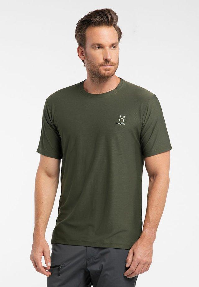 L.I.M TECH  - Print T-shirt - deep woods