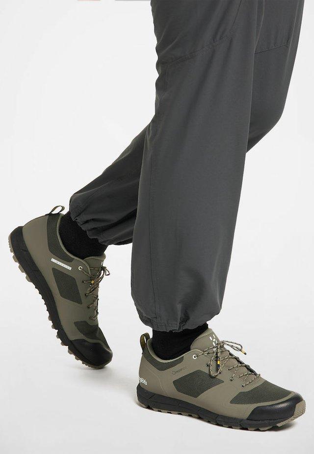 HAGLÖFS TREKKINGSCHUHE L.I.M LOW PROOF ECO WOMEN - Trail running shoes - sage green