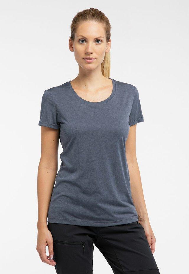 TEE - Basic T-shirt - dense blue