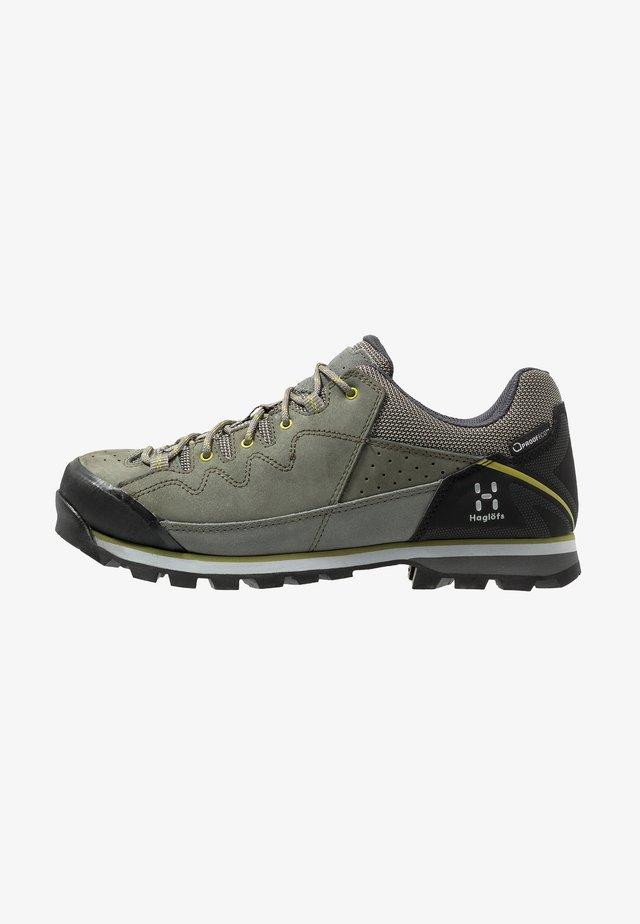 VERTIGO PROOF ECO - Hiking shoes - lite beluga