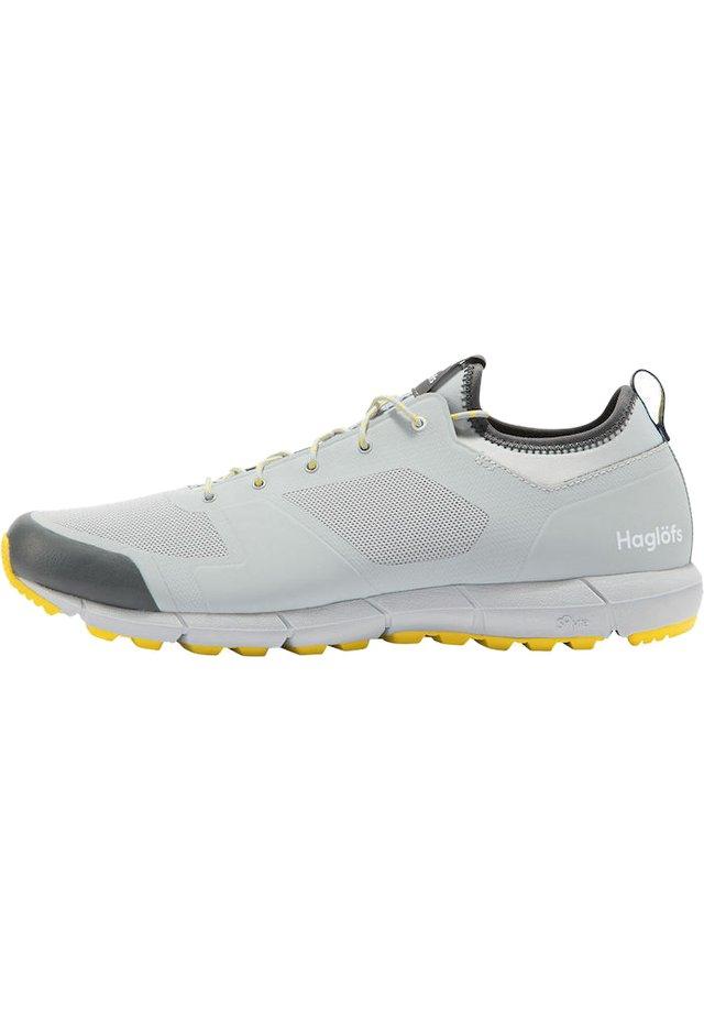 TREKKINGSCHUHE L.I.M LOW MEN - Hiking shoes - stone grey/signal yellow