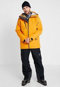 Haglöfs - NENGAL 3L PROOF PARKA MEN - Ski jas - desert yellow/true black - 1