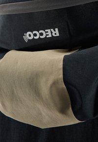 Haglöfs - HAGLÖFS SKIJACKE NENGAL JACKET MEN - Snowboard jacket - true black/dune - 3