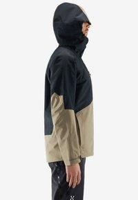Haglöfs - HAGLÖFS SKIJACKE NENGAL JACKET MEN - Snowboard jacket - true black/dune - 2