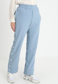 Hope - LIFT TROUSER - Kalhoty - faded blue - 0