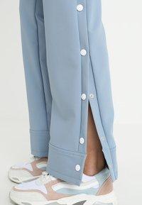 Hope - LIFT TROUSER - Kalhoty - faded blue - 5