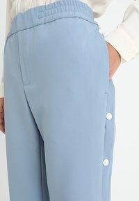 Hope - LIFT TROUSER - Kalhoty - faded blue - 3