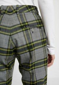 Hope - WALK TROUSER - Pantalones - green - 4
