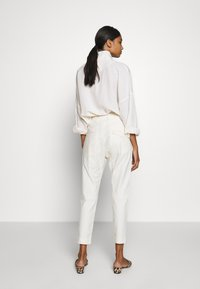 Hope - KRISSY TROUSER - Chinos - nature - 2
