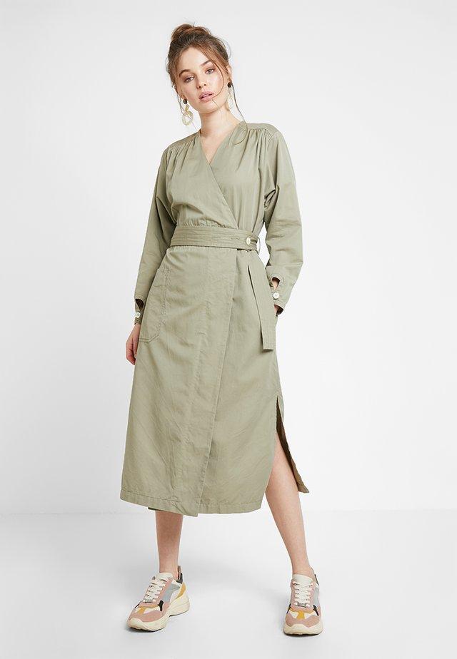 CROSS DRESS - Denní šaty - pale green