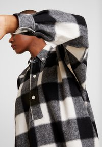 Hope - PITCH - Skjorta - offwhite check - 6