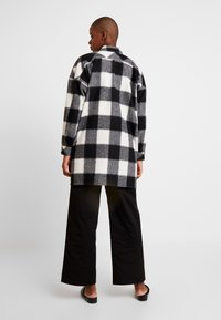 Hope - PITCH - Skjorta - offwhite check - 2