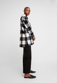 Hope - PITCH - Skjorta - offwhite check - 1