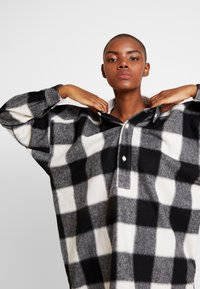 Hope - PITCH - Skjorta - offwhite check - 4