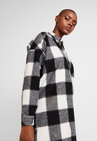 Hope - PITCH - Skjorta - offwhite check - 3