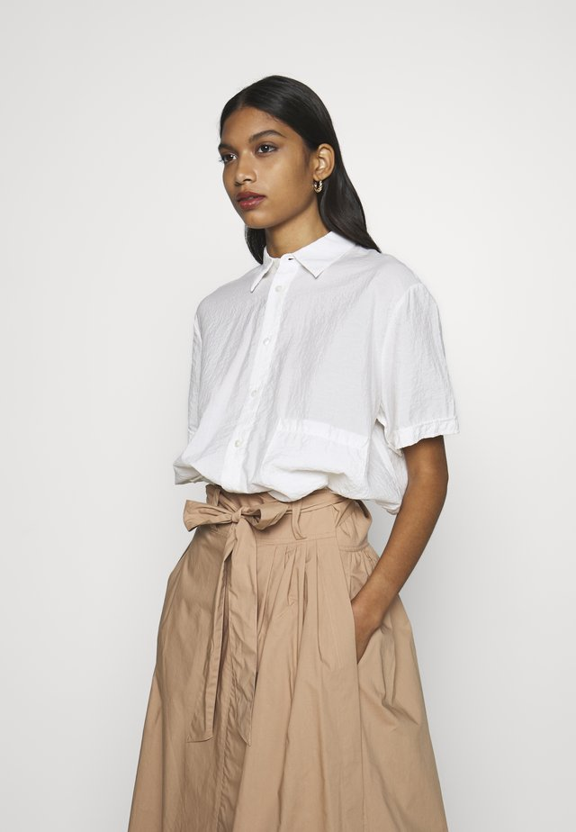 ELMA SHORTSLEEVE - Button-down blouse - offwhite