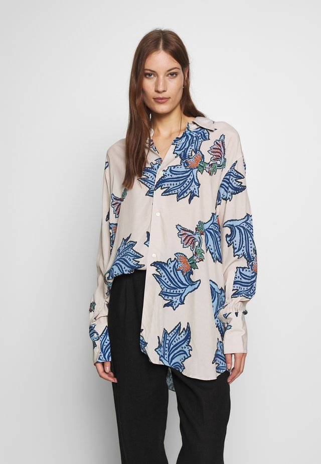 MANTRA BLOUSE - Button-down blouse - blue