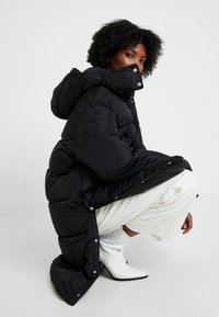 Hope - DUVET COAT - Płaszcz zimowy - black - 4