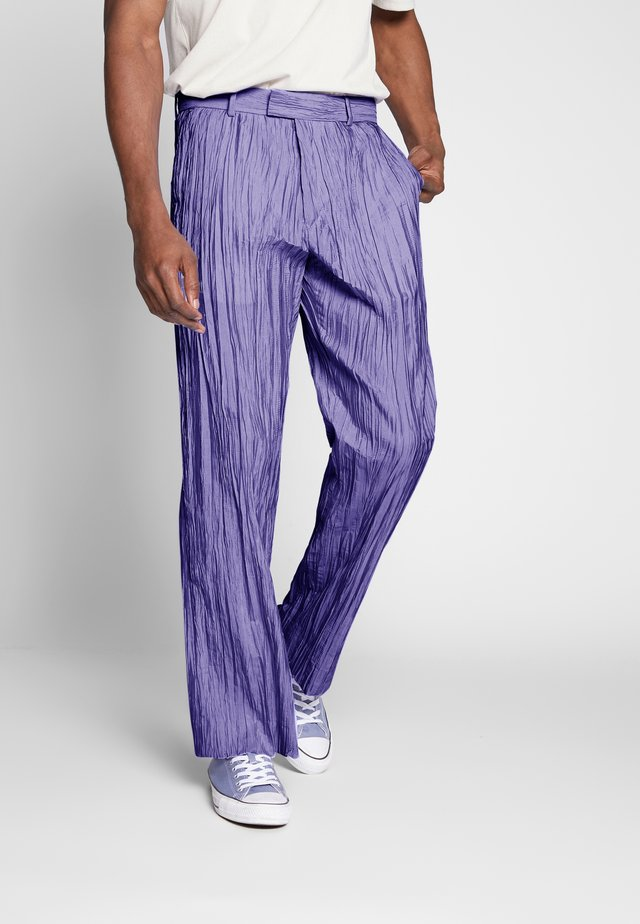 HIDE TROUSER - Stoffhose - purple