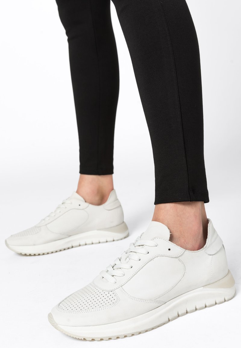 HALLHUBER - Trainers - white
