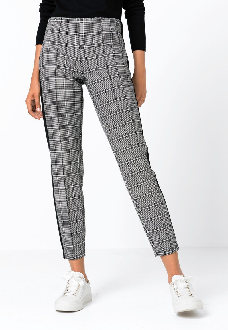 HALLHUBER - MIT GLENCHECK-MUSTER - Trousers - black