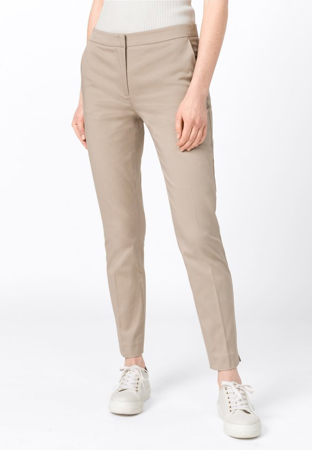 CHARLOTTE  - Chinos - brown