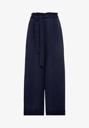 MIT BINDEGÜRTEL - Pantalon classique - indigo