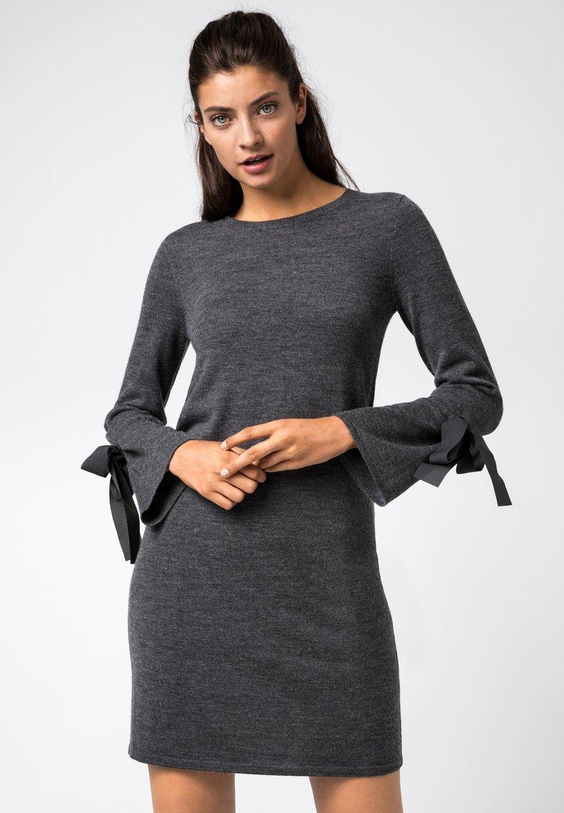 HALLHUBER - Robe pull - gris