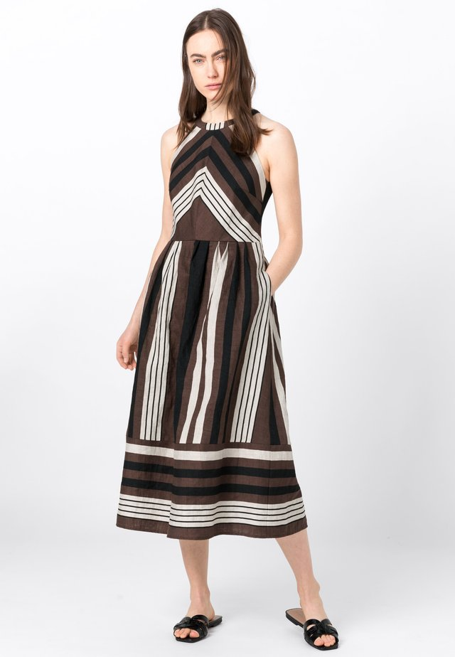 Korte jurk - brown/black/white